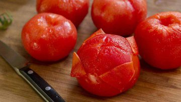 How to peel tomatoes effortlessly