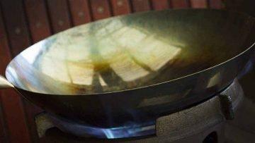 How to season a wok correctly