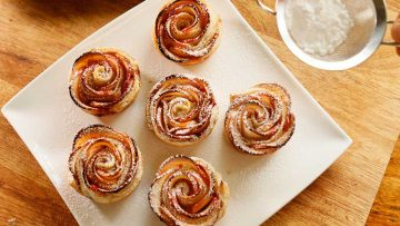 Apple pastry roses