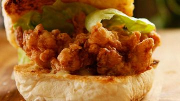 Crispy fried chicken burger