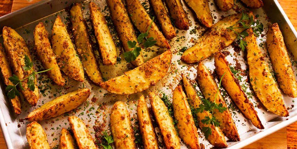 Baked Garlic and Parmesan Potato Wedges