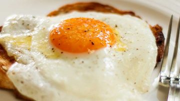 How to cook a perfect fried egg sunny side up